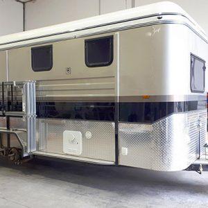 400x600-horse-float-servicing
